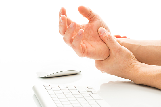 손목터널증후군.