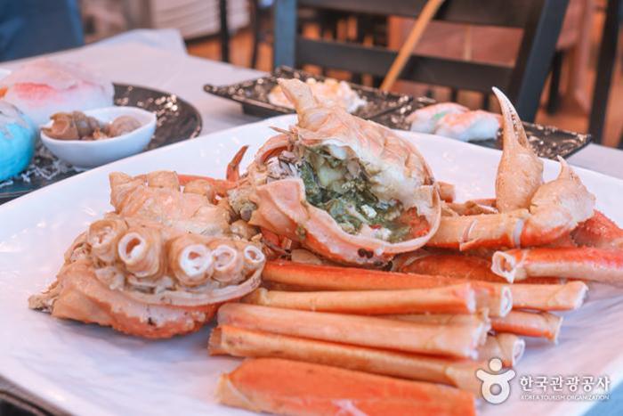 맛있는 대게 한 상 - 한국관광공사