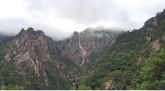 폭우가 빚어낸 절경…설악산 '토왕성 폭포' 장관