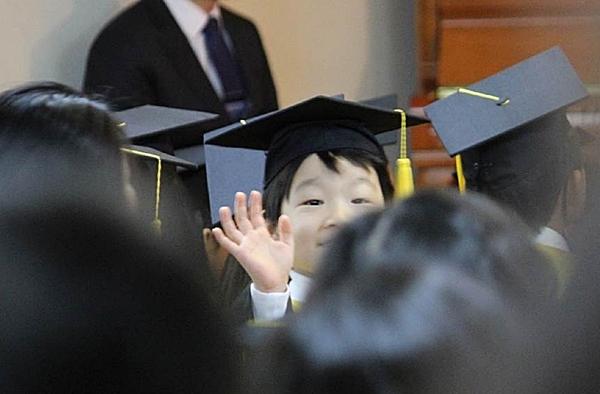 유치원 비리 본 부모들 '처음학교로' 눈뜨다